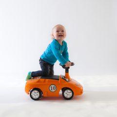 Barneportrett med bil